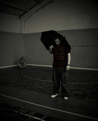Day 73 outtake #1 - Cone Goblin meets Umbrella Man (Dz) Tags: umbrella jon raw cone noway gym daz notserious 365gagreel thelightersideofdaz
