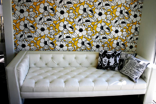 viceroy_sofa_faux_leather_white_543