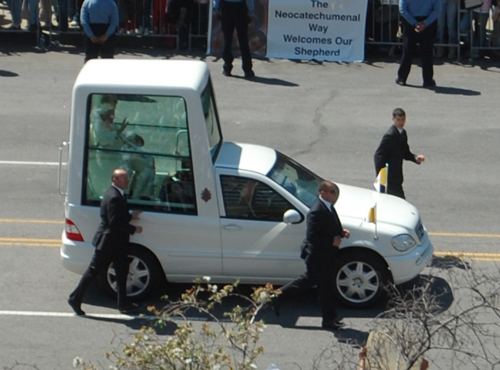 popemobile2