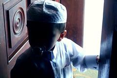 Mysterious man (ًWeda3eah*) Tags: man cute by kid mohammed mysterious p dior pacifier qatar thoob al3eed kash5at masasa weda3eah