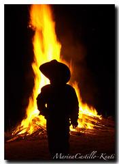 Wyatt in front of the bon fire!  October 3, 2008 (Marina Castillo) Tags: horse minnesota caballos spurs midwest cows bulls fotos bacas pentaxk10d knutifarm saunaroad marinacastillo embarrassminnesota corraling paulknuti