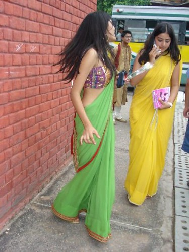 Very good Hot nri aunty in party picture