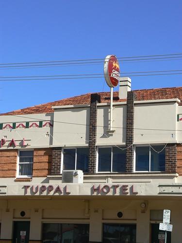 Tuppal Hotel, Finley