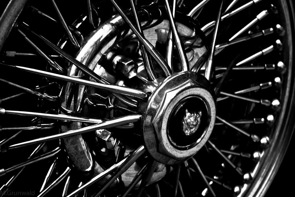 wheel rim - b/w