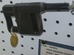 8mm French Palm Gun (robotech_master_2000) Tags: museum french pistol 8mm derringer sandyclark jmdavis palmgun