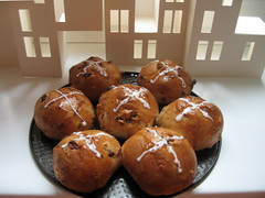 hot-crossed buns
