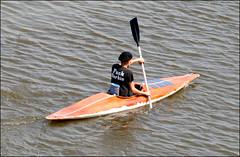 Statement Rowing (Emil de Jong - Kijklens) Tags: orange kayak tshirt kanaal alkmaar roeien oranje noordhollands noordhollandsch rowinig
