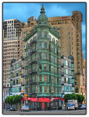 San Francisco green building por Mike G. K. (busy).