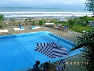Ecuador-Cosatal-view