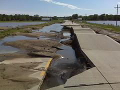 Iowa Highway 1 near Cedar River Bridge, looking south (heet_myser) Tags: river flood iowa highway1 cedar 2008 solon mtvernon