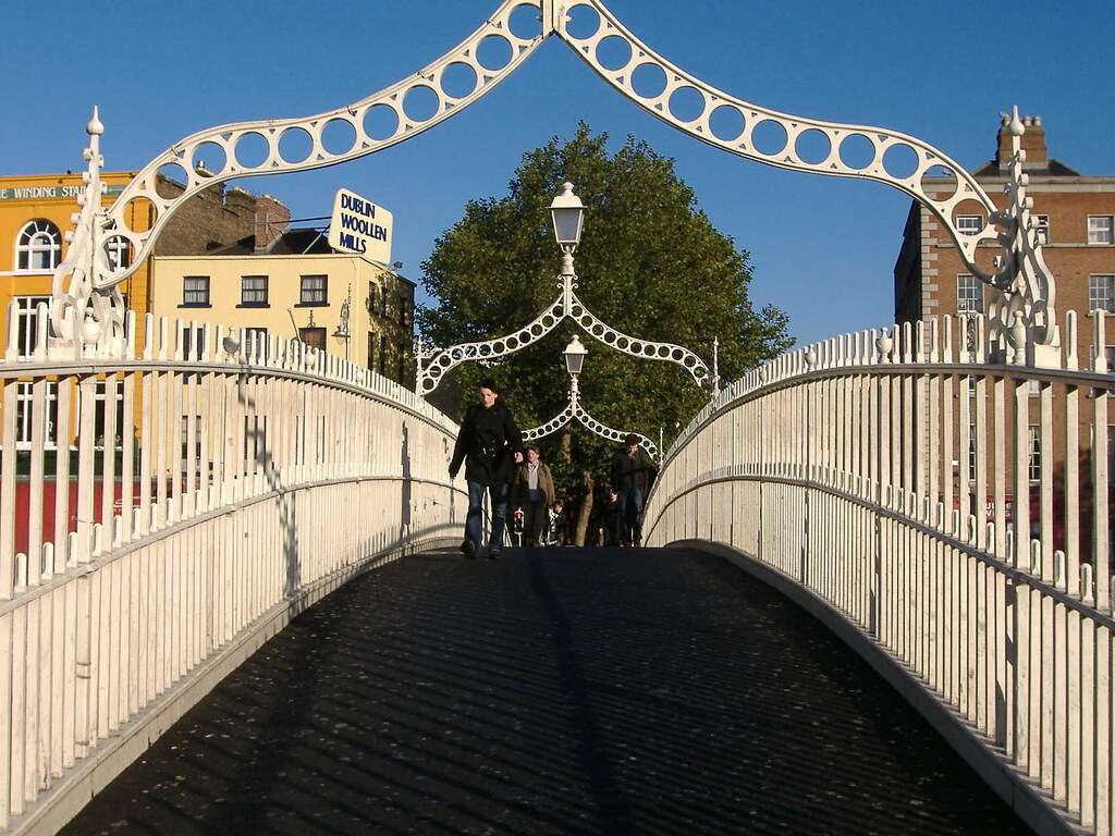 Ha Penny Bridge Dublin Tourist Guide
