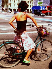 Mary Winehouse? (velomama) Tags: summer woman bike bicycle copenhagen sommer kbenhavn cykel kvinde cyclechic cykelpige