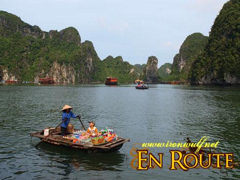 Ha Long Bay Boat Vendors