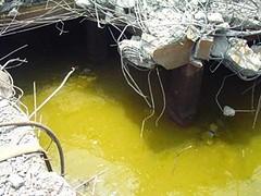 不少有害的廢儲槽、反應槽及管線埋藏地下不易發覺
