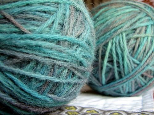 more kool-aid dyed yarn