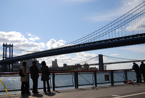 looking at the manhattan bridge