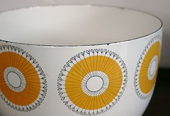 Arabia Finland (allerleirau) Tags: yellow vintage finland 60s fifties dish bowl retro arabia 50s schssel sixties scandinavian midcentury tableware enamel emaille thrifted finel kajfranck