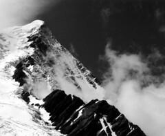Aiguille du Goûter (Yvan LEMEUR) Tags: blackandwhite bw mountain france montagne landscape noiretblanc nb glacier paysage chamonix glace alpinisme hautesavoie aiguilledugoûter