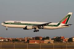 Alitalia Boeing 767 (EI-DDW) (dsaba67) Tags: az boeing 767 alitalia fco lirf eiddw