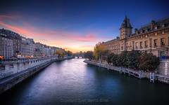 Sunset On The Seine River HDR | Paris, France | davidgiralphoto.com (David Giral | davidgiralphoto.com) Tags: bridge houses sunset paris france saint seine night river island lights hotel evening louis dusk stlouis ile peaceful rivire shops pont soire stores neuf crpuscule hdr dieu fleuve housings 5xp bratanesque