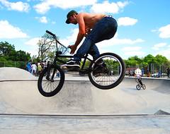 Murphy.  South park (blah blah photos...blah blah blah) Tags: bar big nikon bmx pittsburgh ride air spin bowl pit southpark skatepark pitt murph squareone southparkbmx sk8park nikond40x d40x squareonebmxcom