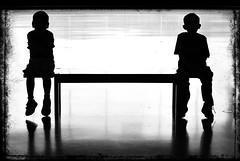 [フリー画像] 人物, 子供, 人と風景, シルエット, 201109222300