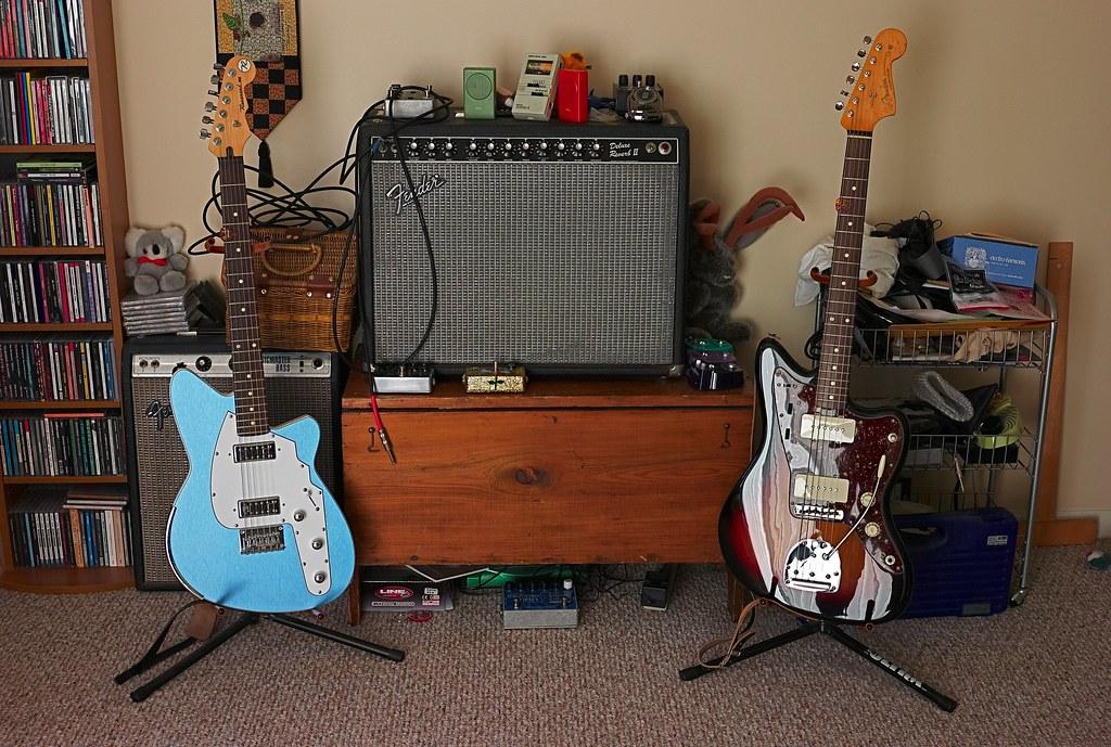Image. OffsetGuitars com   View topic   My bedroom surf guitar rig