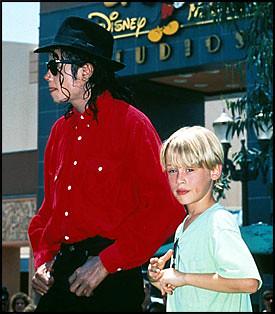 Macaulay Culkin de niño y Michael Jackson