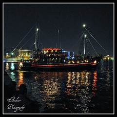 Love boat (andzer) Tags: light sea reflection love water bar night port boat waterfront gulf andreas greece macedonia thessaloniki salonica thesaloniki thermaikos  zervas  ysplix andzer   imagescollectors people