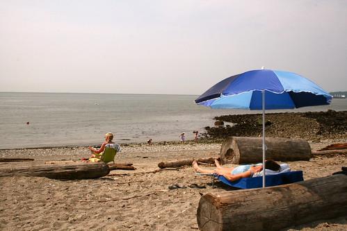 dundarave beach