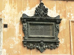 "Placa ""Benvenuto Cellini"" Roma (Don Perucho) Tags: plaza italy rome roma church italia cathedral pantheon catedral iglesia via panteon piazza fontana navona"