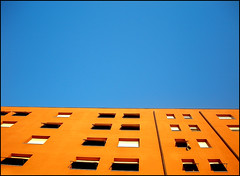 Bauhaus (Urban Horizons) (Carlo Pavan) Tags: blue windows orange rome roma buildings blu eur arancio palazzi finestre tapparelle veneziane