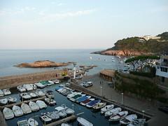 Cala en Fornells (Vikingo's Pub) Tags: espaa botes spain catalonia catalunya costabrava catalua cala fornells begur lanchas clubnautico carrerdefrancescsabaterxiquet