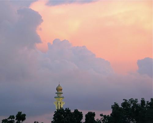 penang state mosque minaret