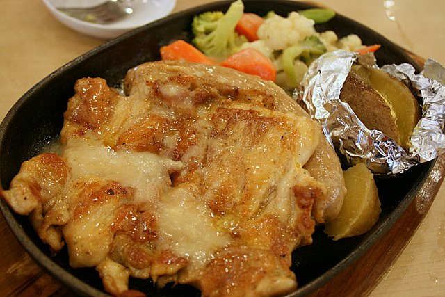 Chicken chop with German sausage on hotplate set (S$10.50)