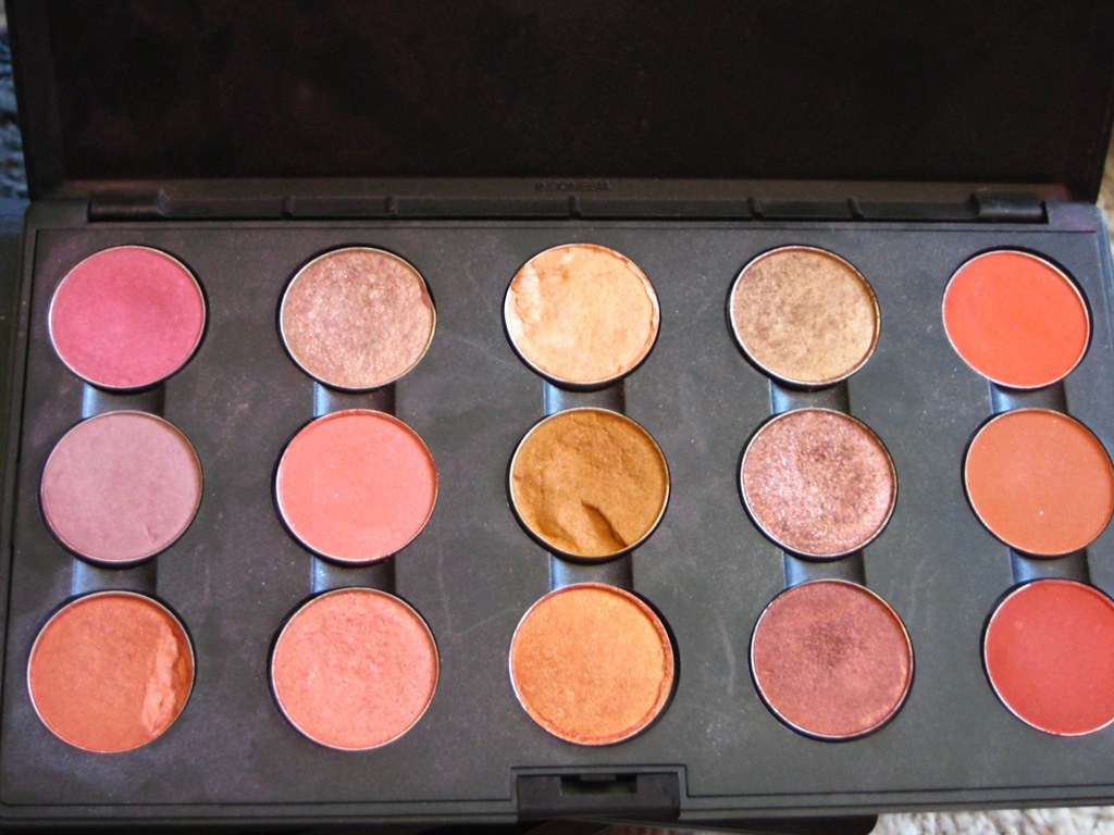 makeup - pink/orange/peach palette