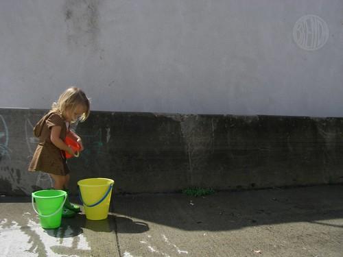 washing graffiti 4