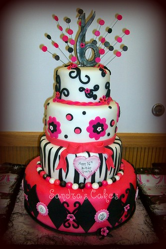 trendy sweet sixteen cakes