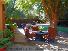 Relaxed Setting (phil_sidenstricker) Tags: trees nature landscape backyard chairs relaxing tables donotcopy valleyofthesunphoenixmetro upcoming:event=981998 southmaountainfarmphoenixazusa