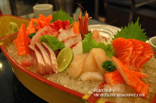 sashimi boat