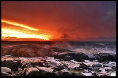 sunset in halmstad very romantic (Atomic-fish) Tags: sunset sun storm love water fire rocks wind wave romantic vatten clowds halmstad sunsett solnedgång eld stenar klippor skumm måln