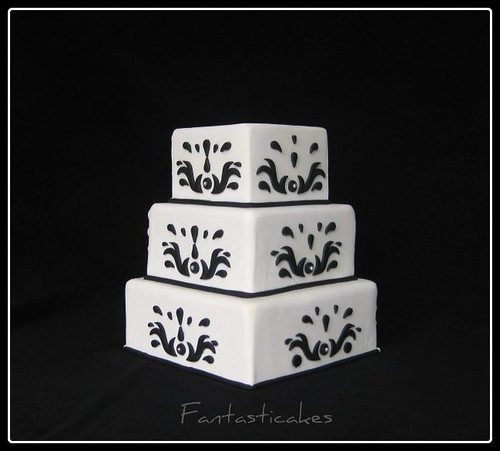 Black and White Wedding Cake por Fantasticakes (Cécile).