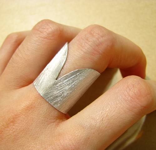 low cut ring