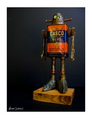 Wee Zombie Casco (Tinkerbots) Tags: sculpture make vintage tin robot zombie assemblage machine scifi rocket sciencefiction comiccon raygun steampunk danjones tinkerbots