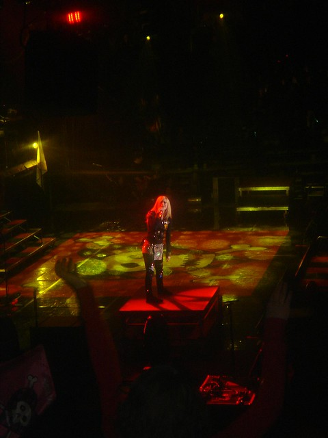 Avril Lavigne - 'Best damn tour' by Taylor and Kevin