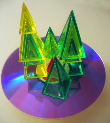stacked_pyramids