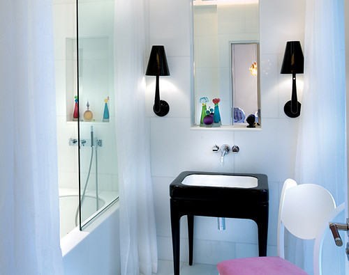 Clean and Colorful bathroom modern interior design