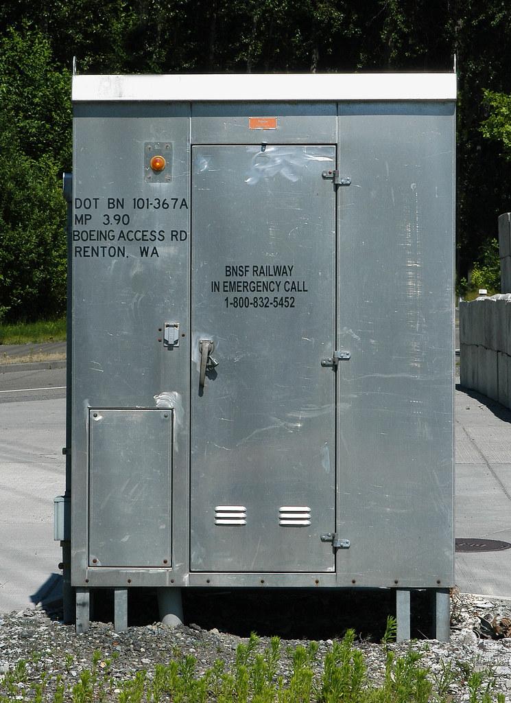 20060625 0525...Control box