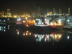breastedup at odfjell (hp181san) Tags: longexposure bridge night lowlight ship tanker funnel odfjell twoships