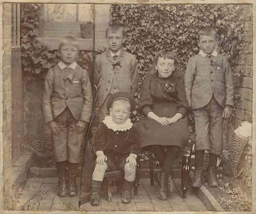 Davenport children, circa 1900?